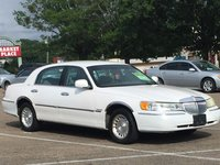 Picture of 2001 Lincoln Town Car Executive, exterior, gallery_worthy