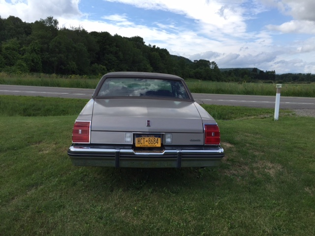 Picture of 1983 Oldsmobile Eighty-Eight