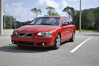 2005 Volvo V70 R Picture Gallery