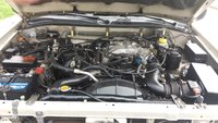 Picture of 2000 Nissan Pathfinder SE Limited 4WD, engine