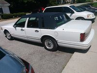 Picture of 1993 Lincoln Town Car Signature, exterior