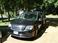 Picture of 2011 Chrysler Town & Country Limited, exterior, gallery_worthy