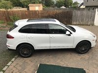 Picture of 2017 Porsche Cayenne AWD, exterior, gallery_worthy