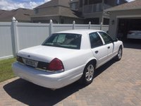 2011 Ford Crown Victoria Picture Gallery