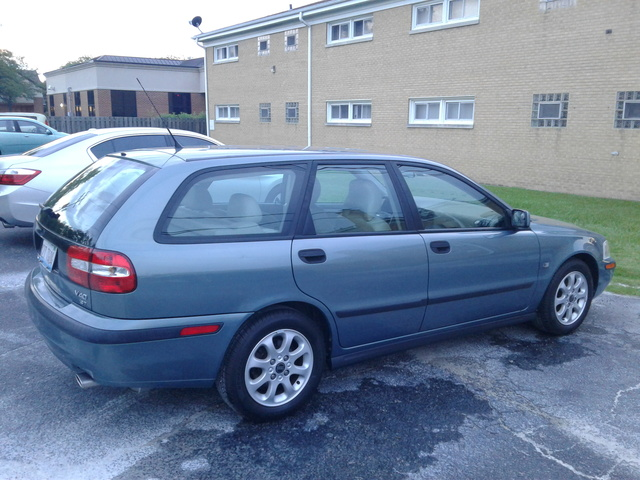 Picture of 2002 Volvo V40 Turbo Wagon