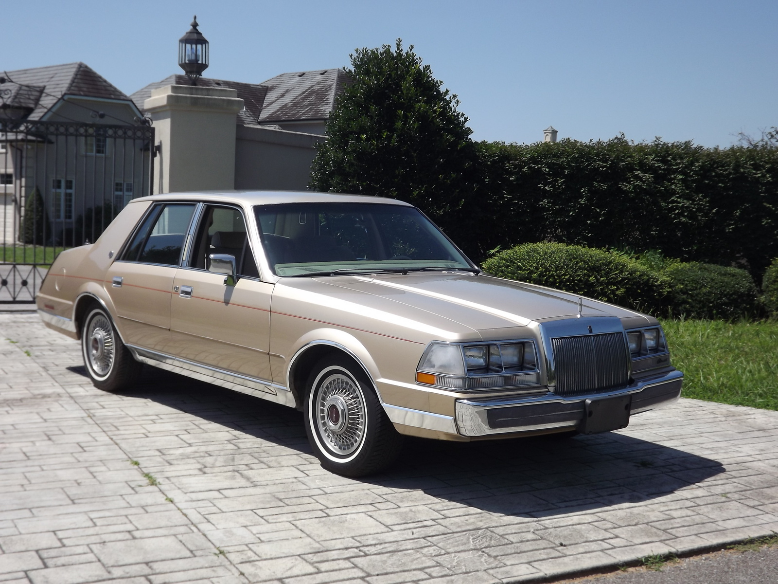 1985 Lincoln Continental Overview Cargurus