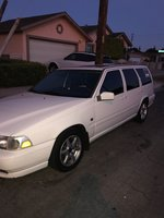 Picture of 2000 Volvo V70 SE, exterior