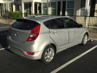 2012 Hyundai Accent Picture Gallery