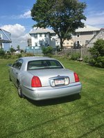 Picture of 2001 Lincoln Town Car Signature, exterior