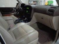 Picture of 2000 Toyota Land Cruiser 4WD, interior