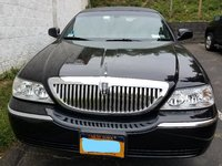 Picture of 2004 Lincoln Town Car Executive L