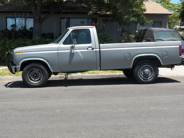 Picture of 1982 Ford F-250 STD Standard Cab LB, exterior, gallery_worthy