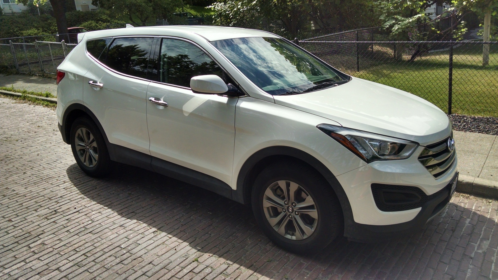 2016 Hyundai Santa Fe >> 2016 Hyundai Santa Fe Sport Overview Cargurus