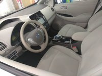 Picture of 2014 Nissan Leaf SV, interior, gallery_worthy