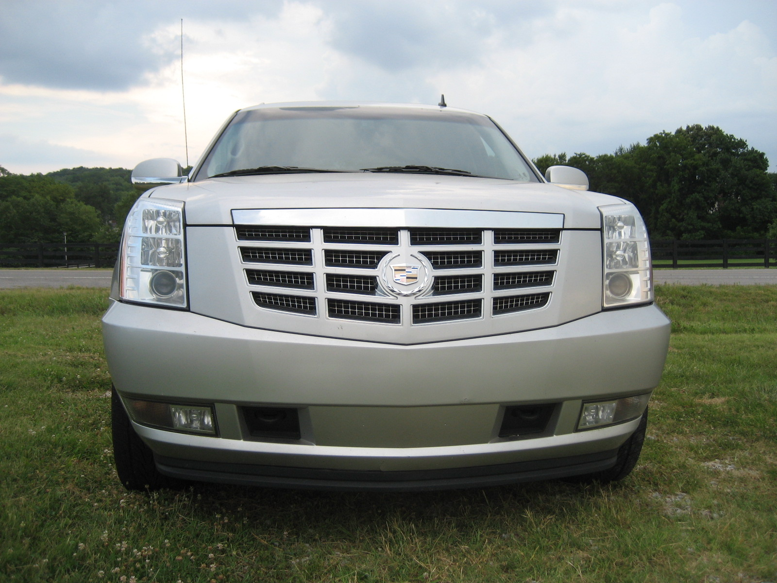 2011 Chevrolet Avalanche Overview CarGurus