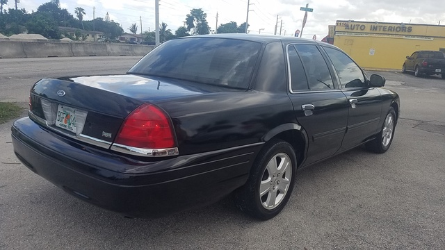 Image de 2011 Ford Crown Victoria LX