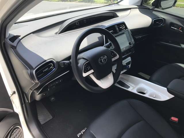 Picture of 2017 Toyota Prius Four Touring, interior