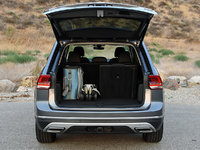 2018 Volkswagen Atlas SEL Premium 4Motion, 2018 Volkswagen Atlas SEL Premium cargo area, interior