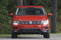 Front of the 2018 Volkswagen Tiguan, exterior, gallery_worthy