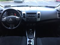 Picture of 2008 Mitsubishi Outlander ES, interior