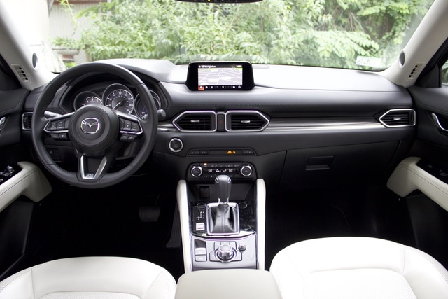 Interior of the 2017 Mazda CX-5, interior, gallery_worthy