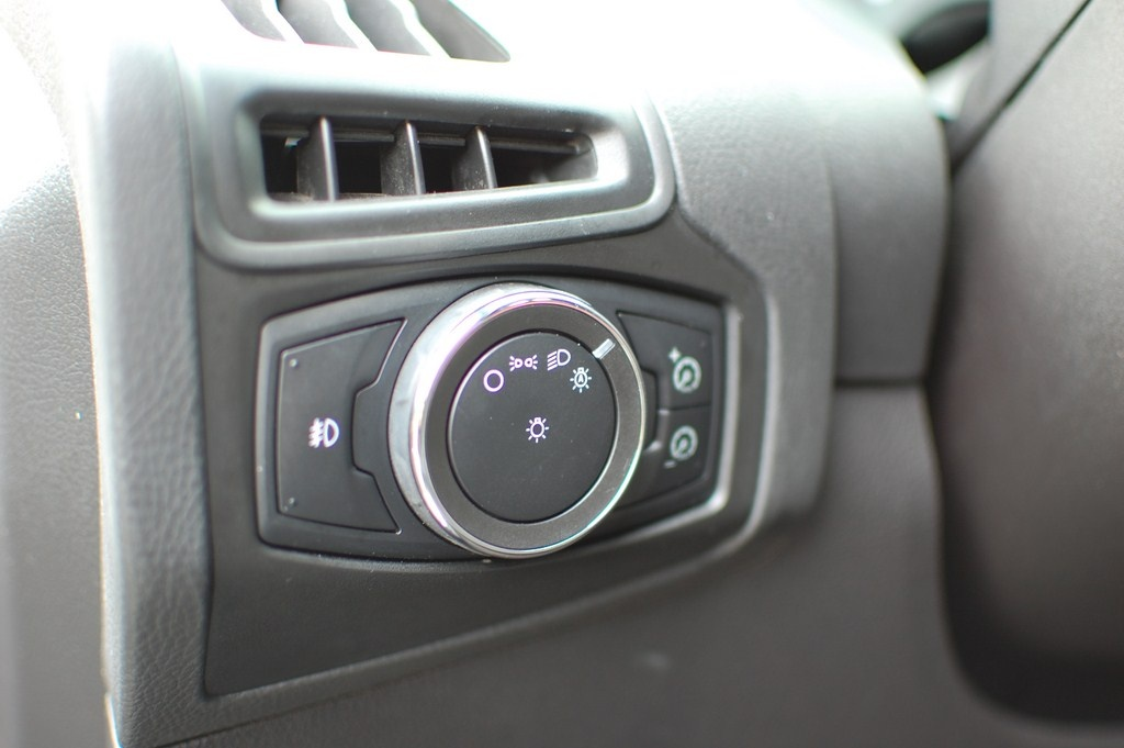 Ford Focus Questions - 2014 Ford Focus beeping when engine and