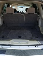 Picture of 2004 GMC Envoy 4 Dr SLE SUV, interior
