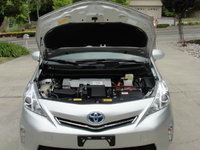 Picture of 2014 Toyota Prius v Three, engine, gallery_worthy