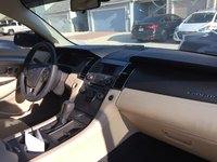 Picture of 2017 Ford Taurus SE, interior, gallery_worthy