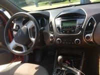 Picture of 2013 Hyundai Tucson GL, interior