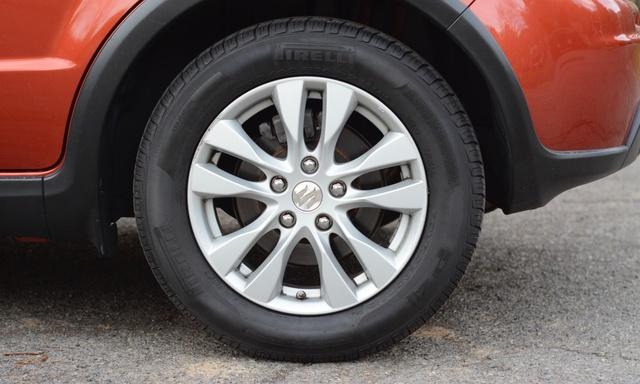 Picture of 2013 Suzuki SX4 Base AWD Crossover