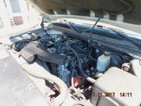 Picture of 2002 GMC Yukon XL Denali 4WD, engine