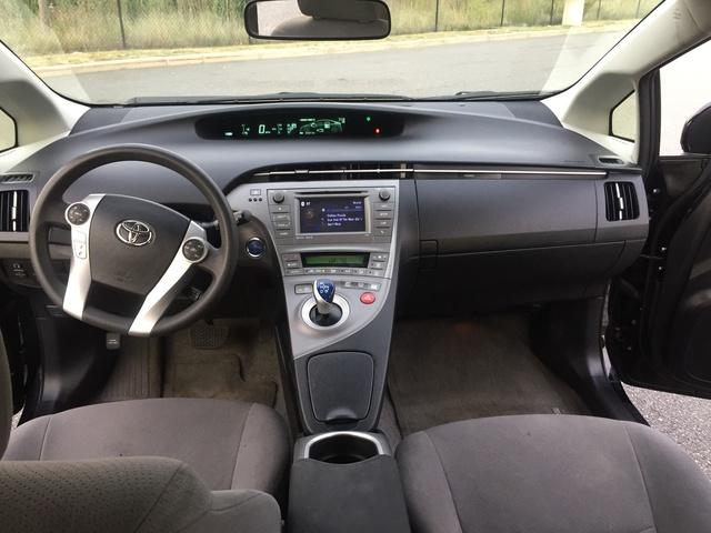 2015 Toyota Prius Interior Pictures Cargurus U003eu003e 2015 Toyota Prius Pictures  Cargurus