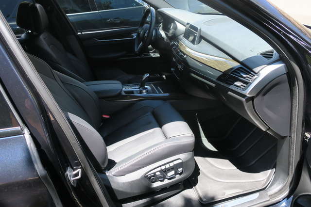 Picture of 2017 BMW X5 xDrive35i, interior