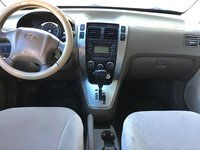 Picture of 2009 Hyundai Tucson SE 2.7, interior, gallery_worthy