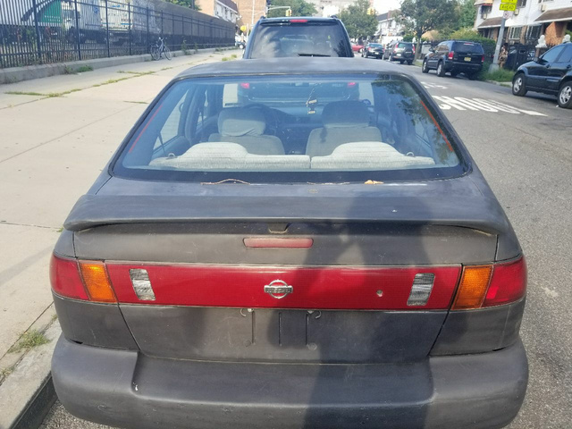 Picture of 1999 Nissan Sentra SE