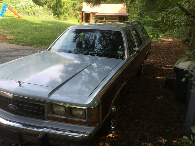 Picture of 1990 Ford LTD Crown Victoria 4 Dr Country Squire LX Wagon