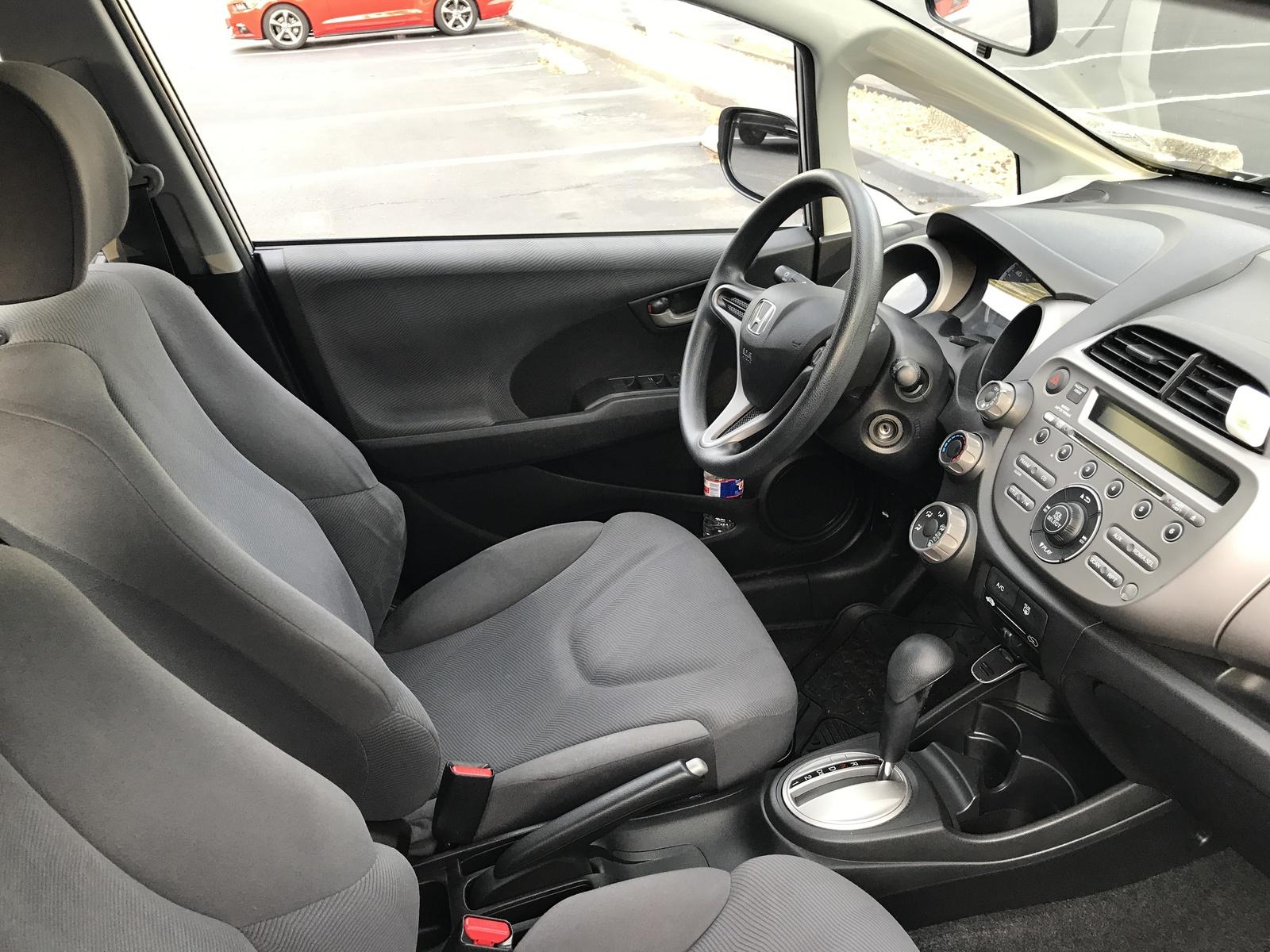 Honda Fit Interior >> 2011 Honda Fit Interior Pictures Cargurus