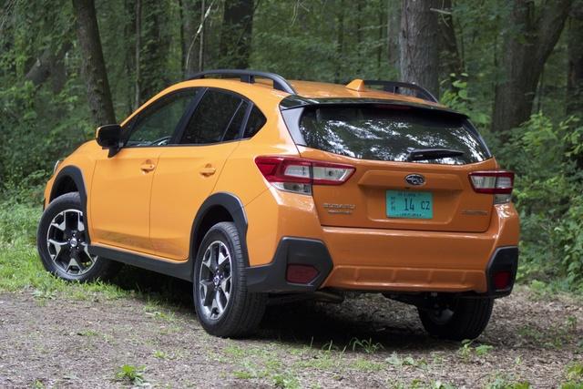 Rear 3/4 of the 2018 Subaru Crosstrek, exterior, gallery_worthy