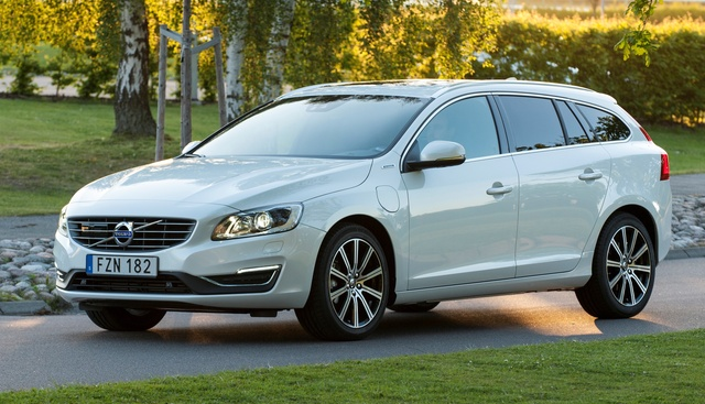 2018 volvo v60 pictures cargurus. Black Bedroom Furniture Sets. Home Design Ideas