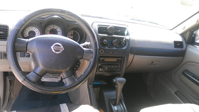 Good Picture Of 2004 Nissan Xterra XE, Interior, Gallery_worthy