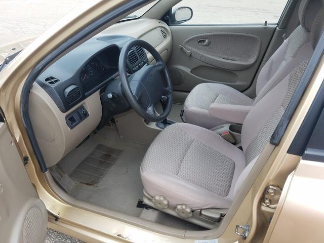 2002 Kia Rio - Interior Pictures - CarGurus