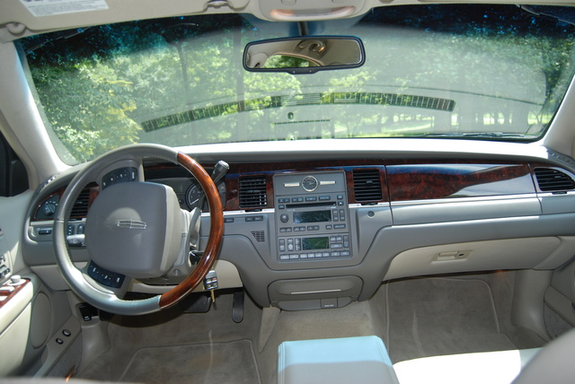 2010 Lincoln Town Car Interior Pictures Cargurus
