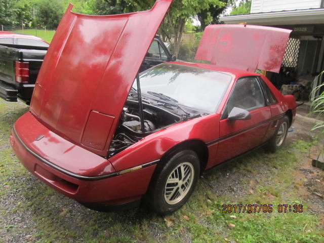 Picture of 1987 Pontiac Fiero Base