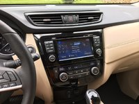Picture of 2017 Nissan Rogue SL AWD, interior, gallery_worthy