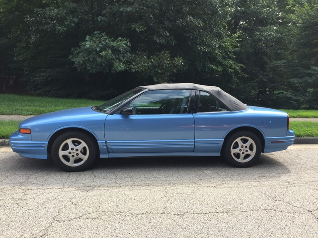 Picture of 1994 Oldsmobile Cutlass Supreme 2 Dr STD Convertible