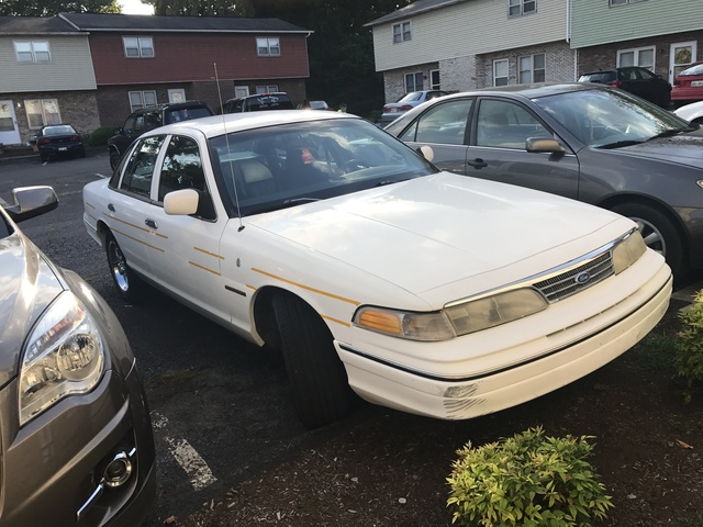 Picture of 1994 Ford Crown Victoria 4 Dr S Sedan