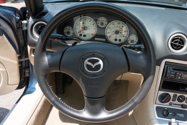 Picture of 2005 Mazda MX-5 Miata LS, interior, gallery_worthy