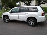 Picture of 2010 Mitsubishi Endeavor SE, exterior, gallery_worthy