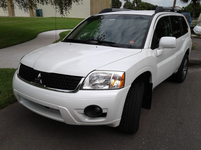 Picture of 2010 Mitsubishi Endeavor SE